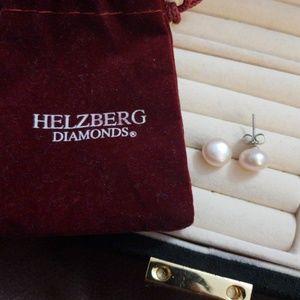 Jewelry - Pink pearl earrings